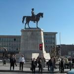 Ankara_Ataturk_Statue_Ulus_square