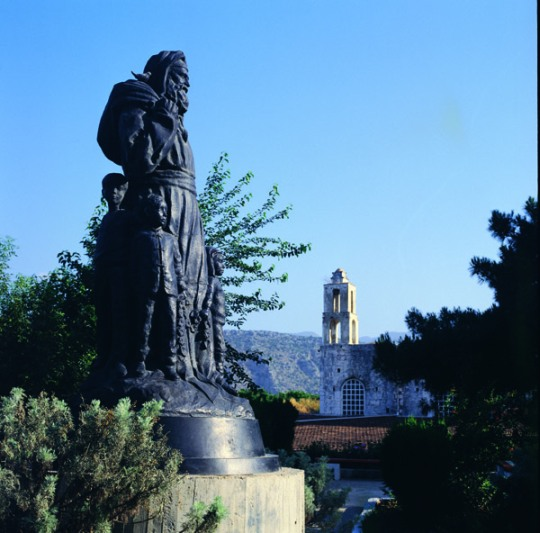 demre-statue-of-santa-claus